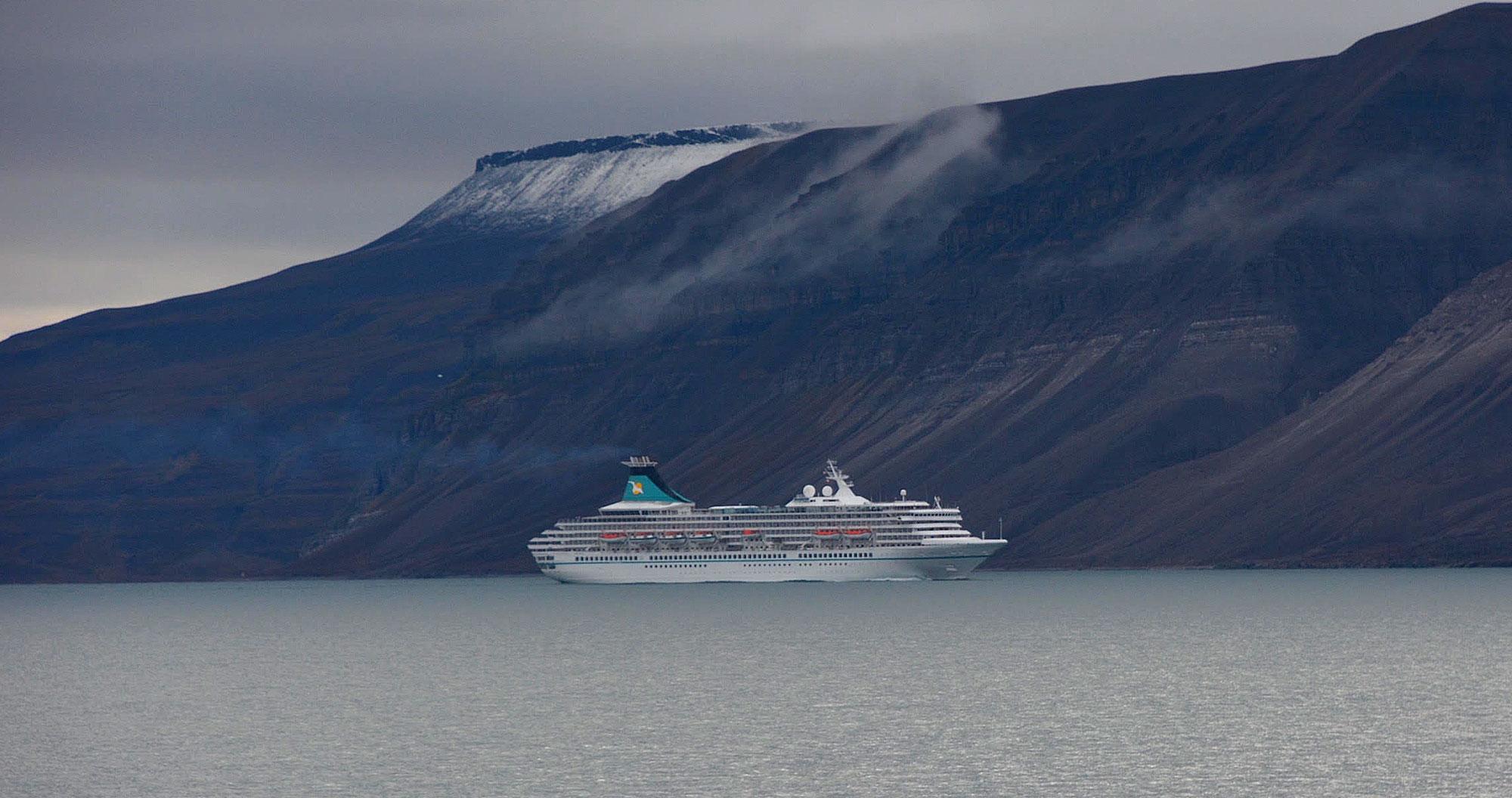 cruiseship svalbard2 as.'