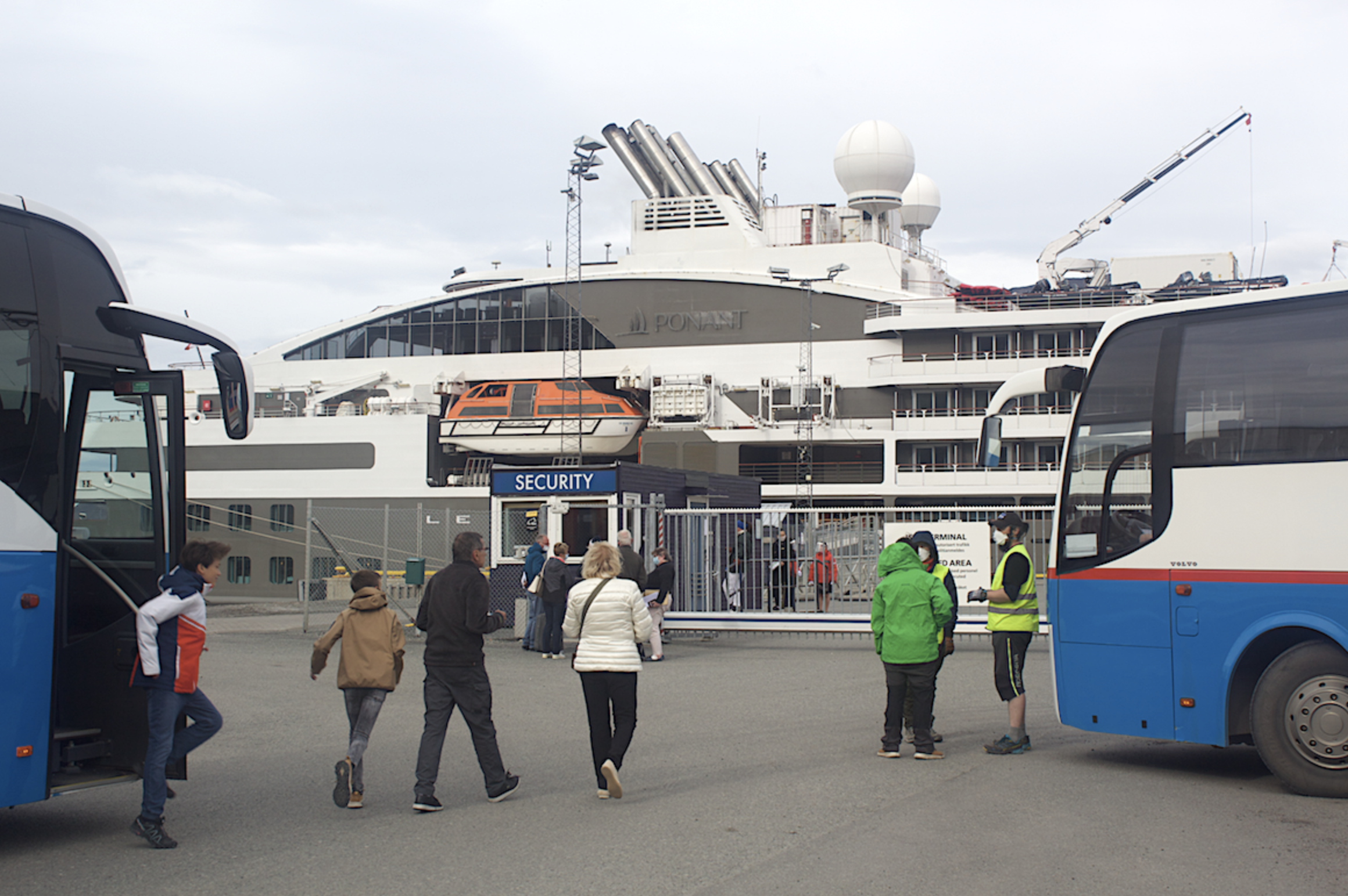 Norway bans all cruise ships with 100+ on board, but Ponant is still selling tickets for next week's luxury Svalbard voyage