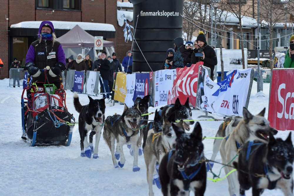 Finnmarksløpet - Europas longest dog-sled race - 1200km of ...