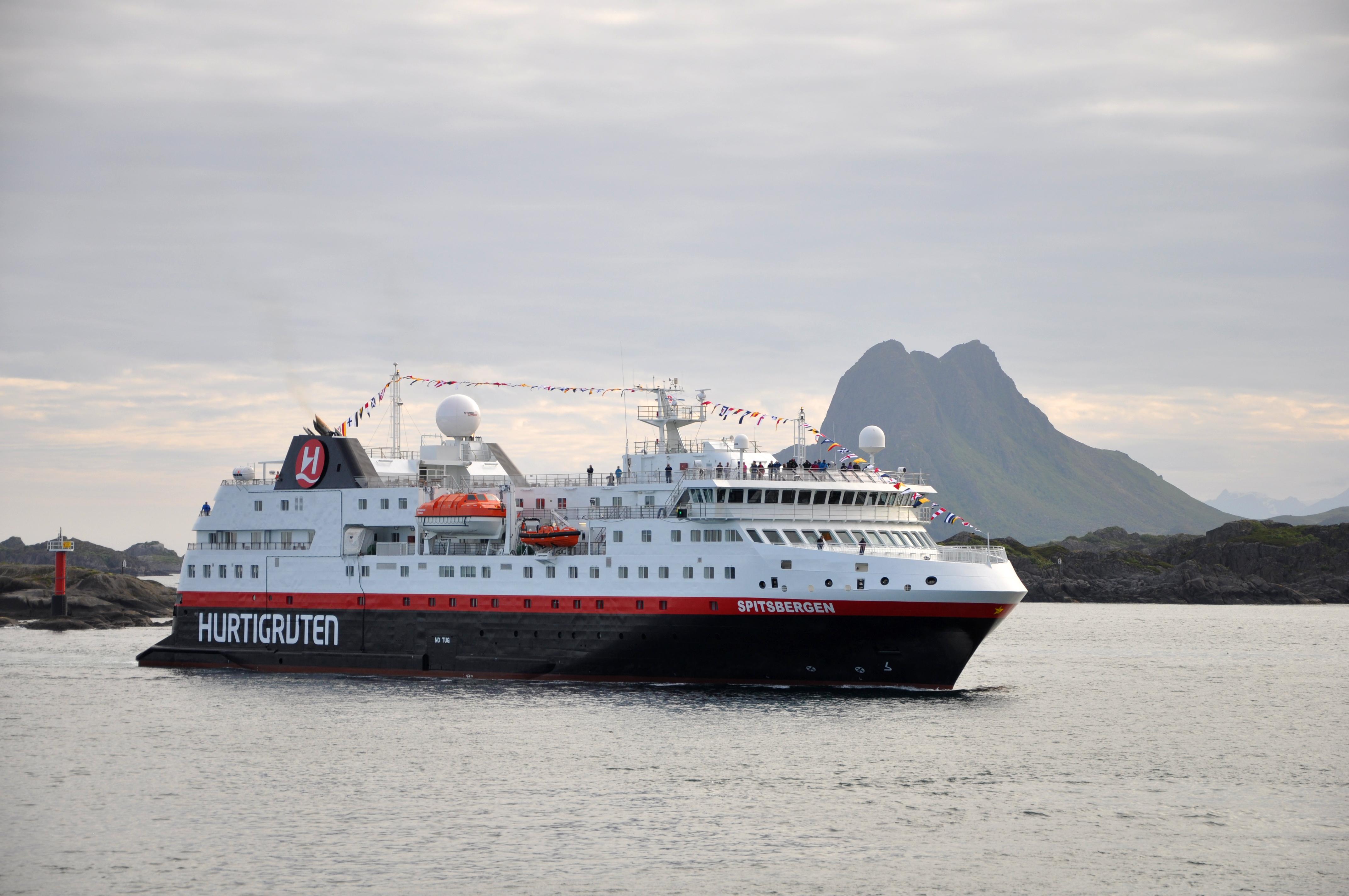 arctic exploration norway hurtigruten